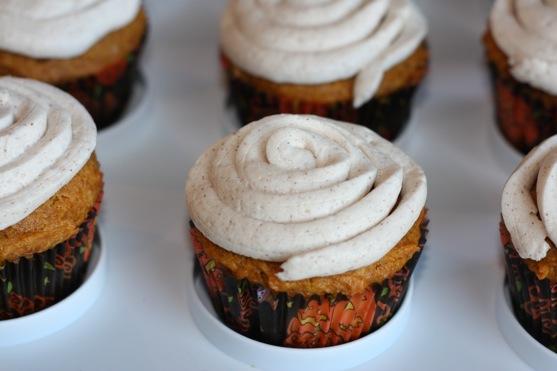 Cheesecake Filled Pumpkin Cupcakes