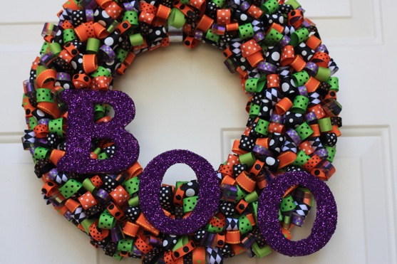 Halloween ribbon wreath the picky apple for Ribbon crafts to make