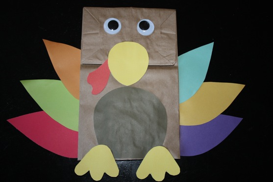 Thanksgiving day paper bag turkey puppet craft preschool for Brown paper bag crafts for preschoolers